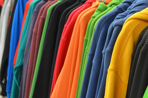 sweatshirts-428607__340