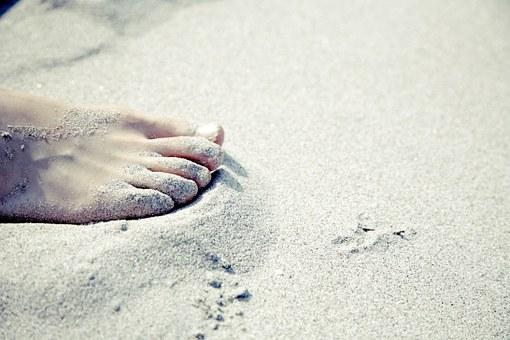 foot-594140__340