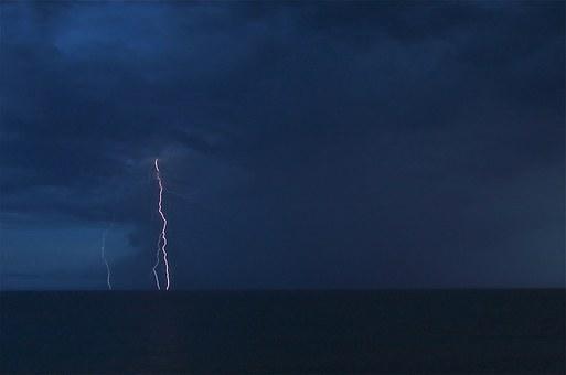 lightning-952539__340