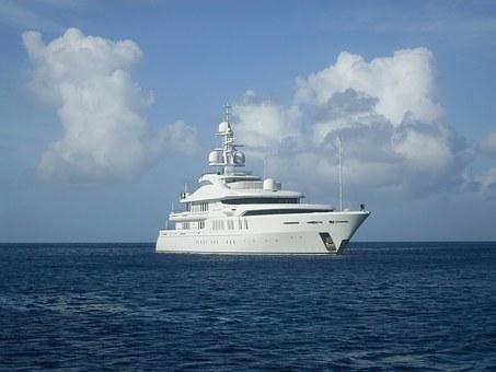 luxury-motor-boat-1318396__340