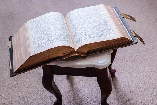 bible-3392758__340