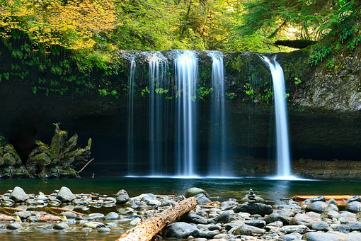 waterfall-802003__340
