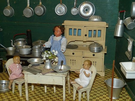 dolls-houses-1094362__340