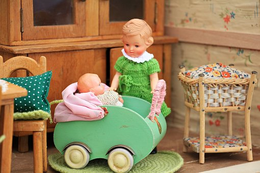 dolls-houses-1580323__340