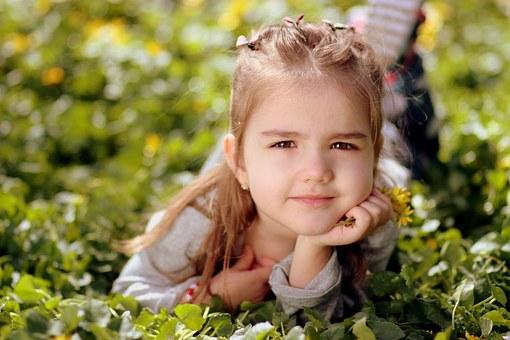 girl-1250679__340