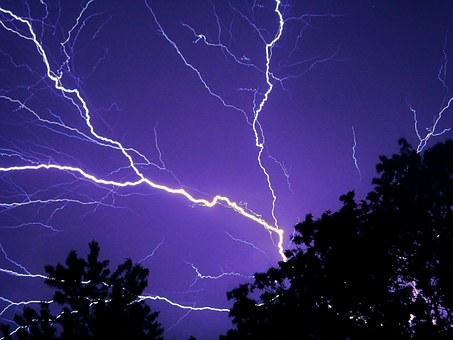 lightning-583713__340
