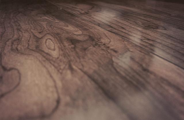 wood-925523_640