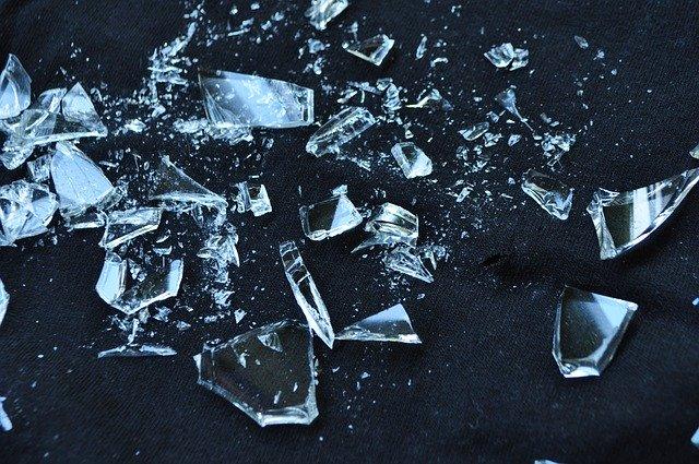 glass-1818065_640