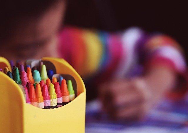 crayons-1209804_640