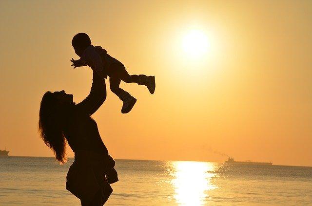 A Mother's Impact |تاثیرمادر