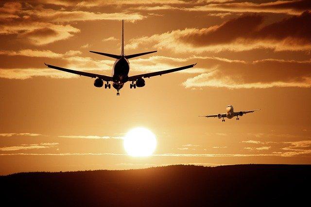 aircraft-513641_640 (1)